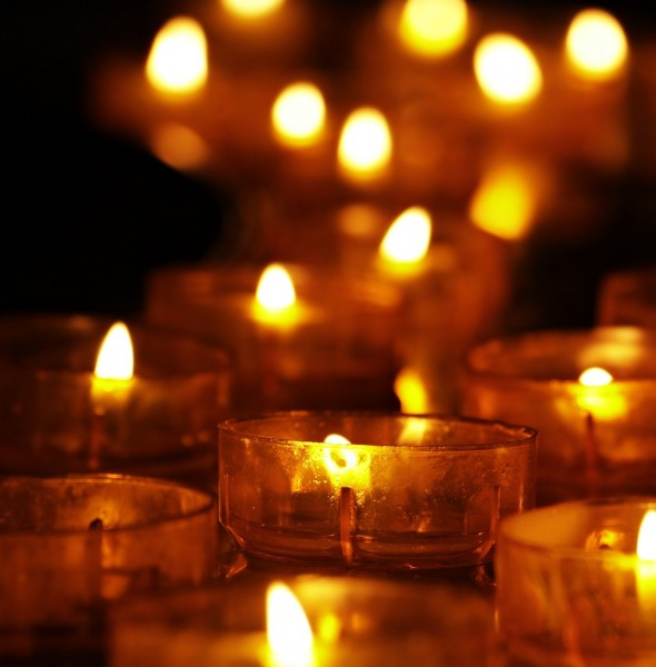 tea-lights-3612508_1920